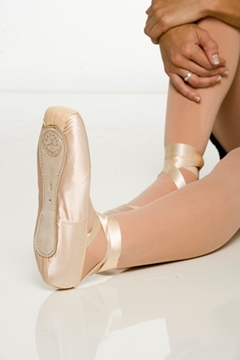 Picture of 183 - Ponta Partner Estudante - Capezio